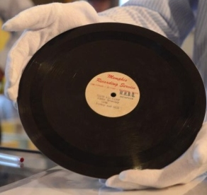 Original Elvis Record Sold 88K Dollars