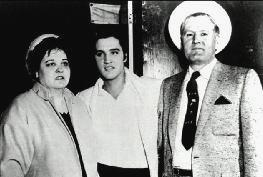 Elvis with his parents Vernon and Gladys Presley