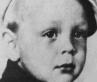 Elvis Age 2